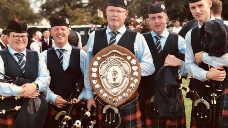 Closkelt Pipe Band Featured Photo | Hooley!